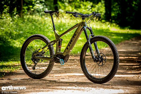 Mit dem Powerfly LT 9 hat Trek ein attraktives E-Trailbike im Programm, das mit gelungener Akku-Integration und viel Federweg punkten kann