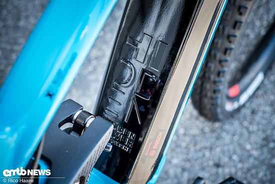 ... welches vom schick integrierten Bosch Powertube Akku gespeist wird