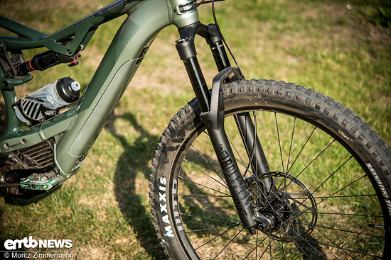 Die RockShox Pike RC ist leicht abzustimmen und funktioniert auf dem Trail tadellos