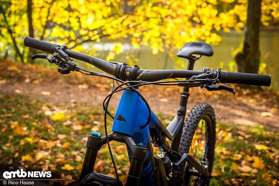 """Bikes mit großen 29"""" Laufrädern und 2,6"""" breiten Reifen verlangen in der Regel nach einem etwas breiteren Lenker"""