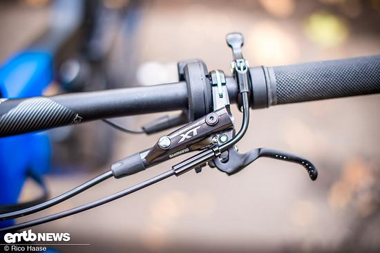 Der ergonomische Hebel der Shimano XT-Scheibenbremse liegt gut in der Hand