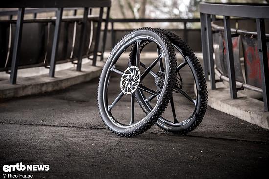 Wer sein E-MTB extrem pimpen möchte und keine Kosten scheut, der sollte zu den Bike Ahead BiturboE-Laufrädern greifen