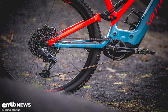 Die brandneue SRAM Eagle AXS-Schaltung gibt es als XX1-Modell für den XC-Einsatz und als robustere X01-Variante für alle Trail- und Enduro-Bikes. Der Preis: 2100 € / 2000 €. Hier gibt's alle Infos zur Edelschaltung!