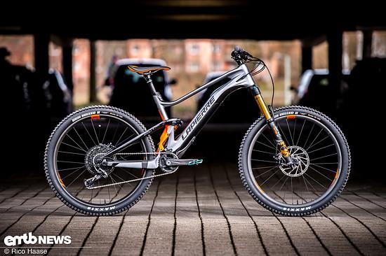 Wir haben das neue Lapierre eZesty AM in der LTD Ultimate-Variante mit Carbon-Laufrädern für euch getestet.