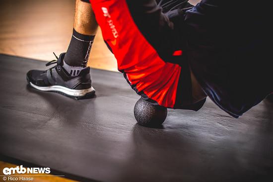 Durch den punktuellen Druck auf die Muskeln entspannen diese und deren Regeneration wird eingeleitet.