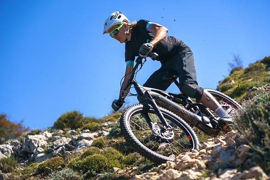 Gustav Larsson – ehemaliger Radrennfahrer und Olympia-Teilnehmer – hat Spaß auf den Trails um Monaco