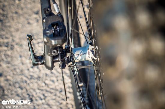 Die hochwertigen DT Swiss-Laufräder verleihen diesem E-MTB zusätzliche Spritzigkeit und haben einen seidenweichen Lauf.