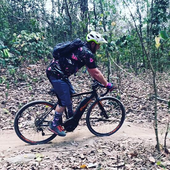 CycloCross mit Flamingo Dan von Öhlins Thailand darf natürlich nicht fehlen. Auf dem Cyclo Von BH Bikes
