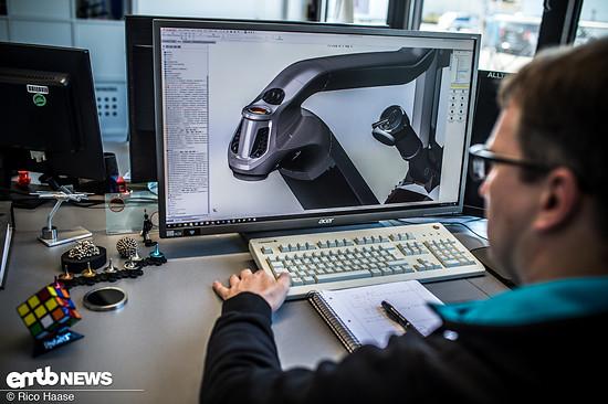 Am Computer wird das Design auf die Machbarkeit überprüft und etwaige Probleme frühzeitig erkannt und behoben