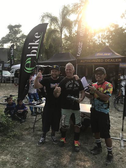 Asia e-Bike bei Bandbike Shop in Chon Buri....und der Baba (ich) LooseRiders Thailand hat den 3. Platz gemacht