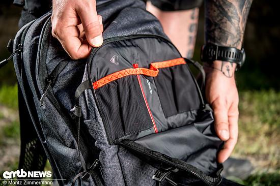 ... Taschen im Hüftgurt oder schnell zugänglichen Werkzeugfächern