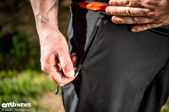 Die Taschen verfügen über leicht zu bedienende Reißverschlüsse