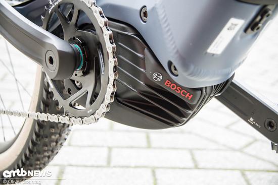 Sehr cool wirken die Kühlrippen des neuen und formschön integrierten Bosch Performance CX Motors.