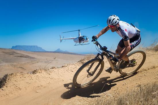 Dem Mountainbike-Marathon-Weltmeister machen Höhenmeter und Hitze wenig aus