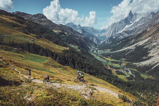 Die Gegend um das Mont-Blanc-Massiv lädt mit spektakulärem Weitblick und fantastischen Trails