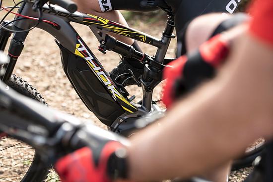 Thok ist ein E-MTB Hersteller aus der norditalienischen Region Piemont und bekannt für die Zusammenarbeit mit Ducati