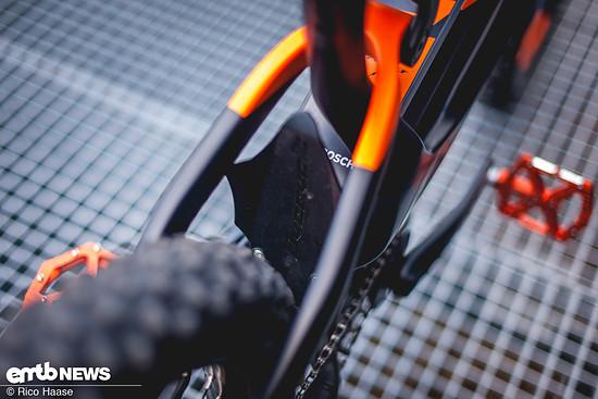 Ein Fender, der den Rahmen vor Dreck etwas schützt