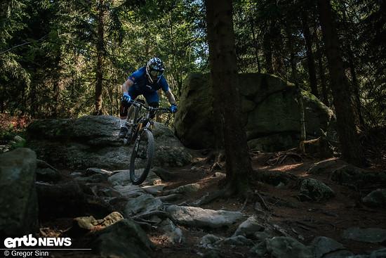 YT-E-Bike-Action-3496