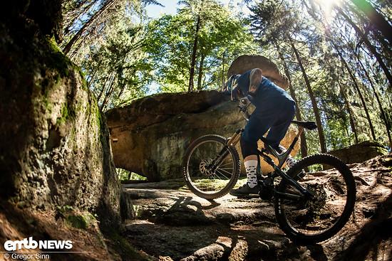 YT-E-Bike-Action-3567