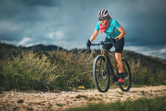 Sportliches Touren mit dem E-Gravel-Bike von Niner