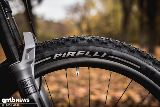 Pirelli Scorpion M+R DSC 4537