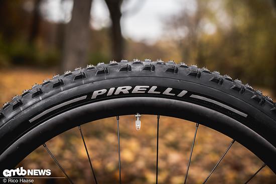 Pirelli Scorpion M+R DSC 4535