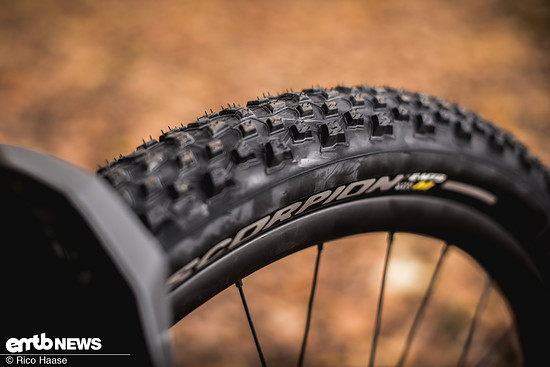 Das Profil des Pirelli Scorpion M ist nicht extrem grobstollig