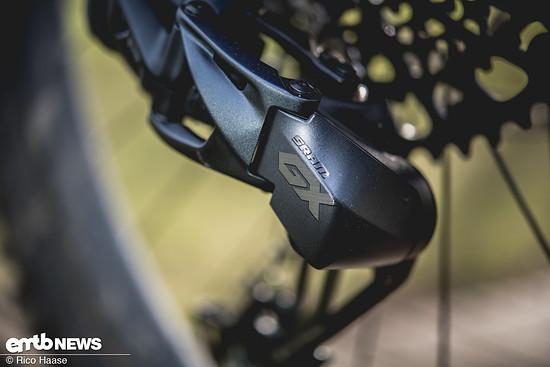 Das neue GX Eagle AXS-Schaltwerk nimmt sich vom Design her zurück, wirkt ...