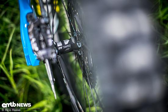 DT Swiss-Laufräder sind stabil und die Naben langlebig, deshalb kommen sie hier zum Einsatz