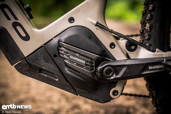 Norco verbaut in allen VLT-Modellen den Shimano EP8-Motor nach oben gedreht ein, damit Platz entsteht, um den Akku nach unten aus dem Rahmen zu entnehmen