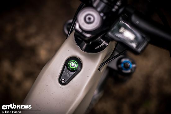 Der On/Off-Button sitzt, wie bei anderen Herstellern auch, auf dem Oberrohr