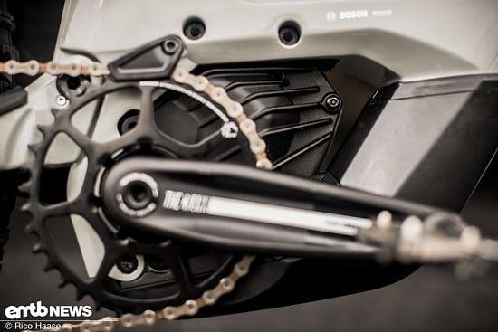 Um dem kleinen Bosch-Motor noch mehr Frischluft zur Verfügung zu stellen, hat man ihm viel Raum gegeben