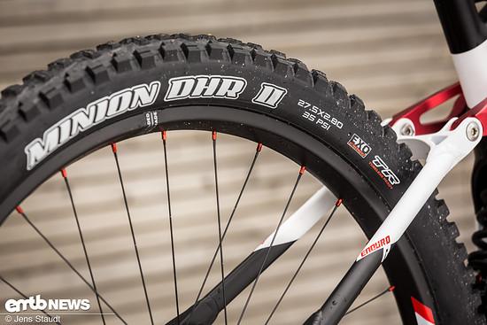 """Wie ein Motocross-Bike, mit einem kleineren und breiteren 27,5"""" Plusreifen am Heck …"""