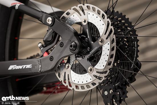 Fantic macht es vor: An ein E-Bike gehören 200 mm Bremsscheiben